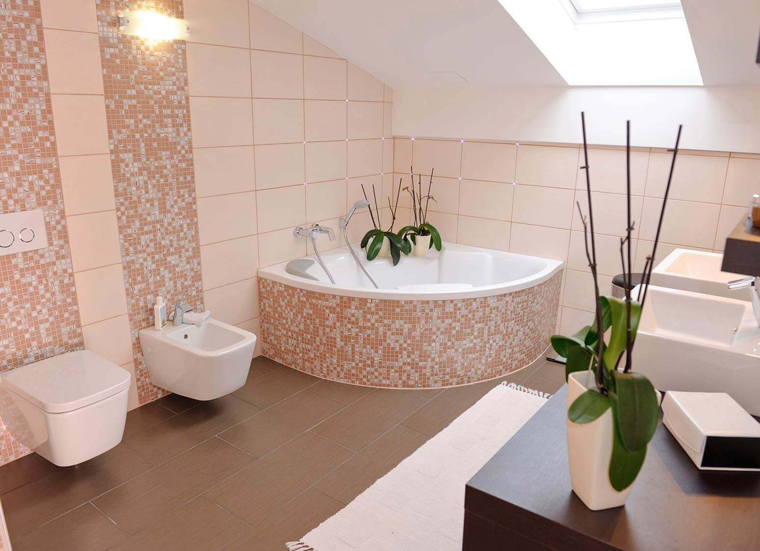bathrooms bathroom suites gainsborough quality bathrooms of scunthorpe. Black Bedroom Furniture Sets. Home Design Ideas